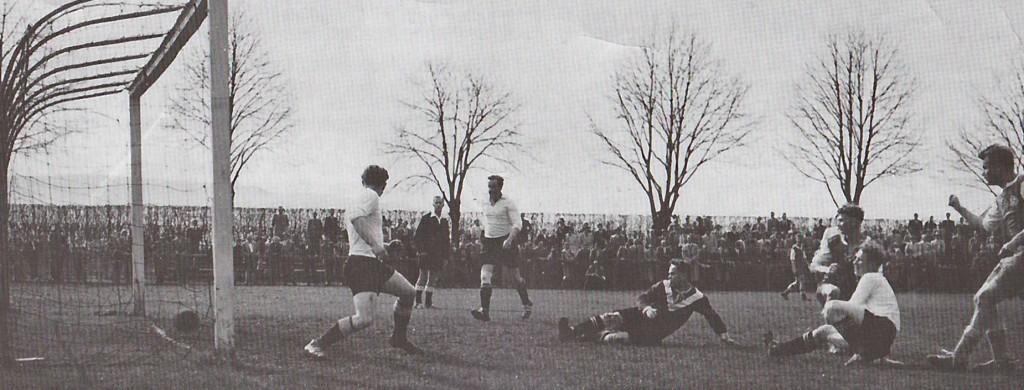Korbach gegen Grebenstein, diese Begegnung gab es schon 1957, einen Heimsieg (6:1) auch.